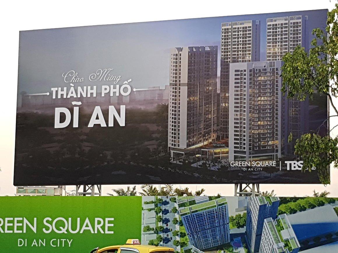 banner du an green square di an city
